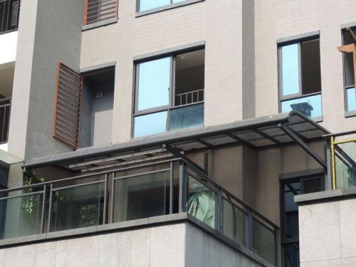 安装重庆阳台雨棚