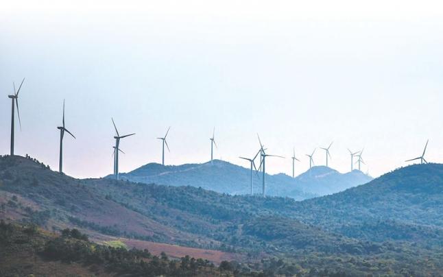 清洁能源产业集群显现