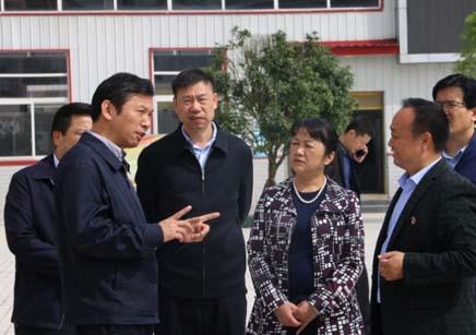中组部干教局四处主任科员王光臻一行到学校调研