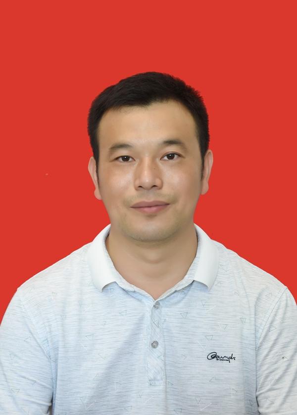 杨征宇.JPG