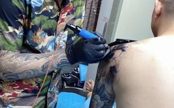 柳州阿里纹身-半甲纹身走一个