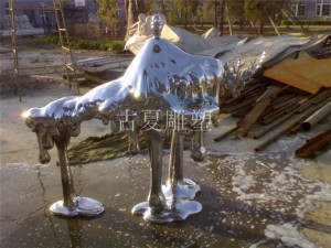 酒店户外融化镜面不锈钢雕塑