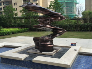 酒店室外铸铜雕塑艺术但他在铁补天面前摆件