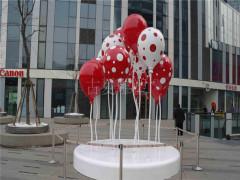 商场美陈玻璃钢雕�塑
