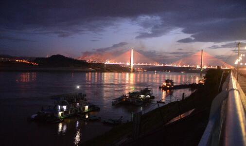 长寿长江大桥  圆心摄.jpg