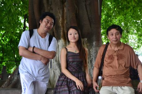 左起:圆心 白狐 张基栗在昭觉寺.png