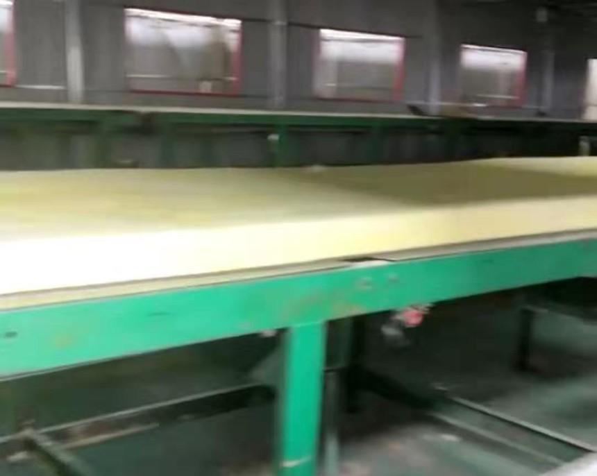 离心玻璃棉卷毡