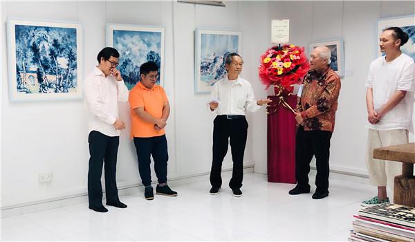 展览开幕现场2   前新加坡国家博物馆副馆长、著名策展人、艺评家蔡荣恩先生致辞.jpg