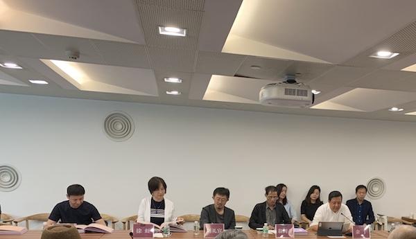 《幻. 鸥洋 杨缨 双个展》研讨会部份嘉宾(左至右):杨卫,徐虹,刘礼宾,翁剑青,余丁.JPG