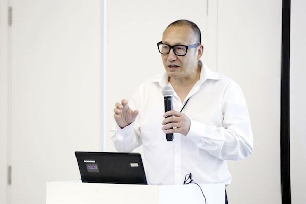 年鉴展策展人朱青生发表主题演讲.jpg