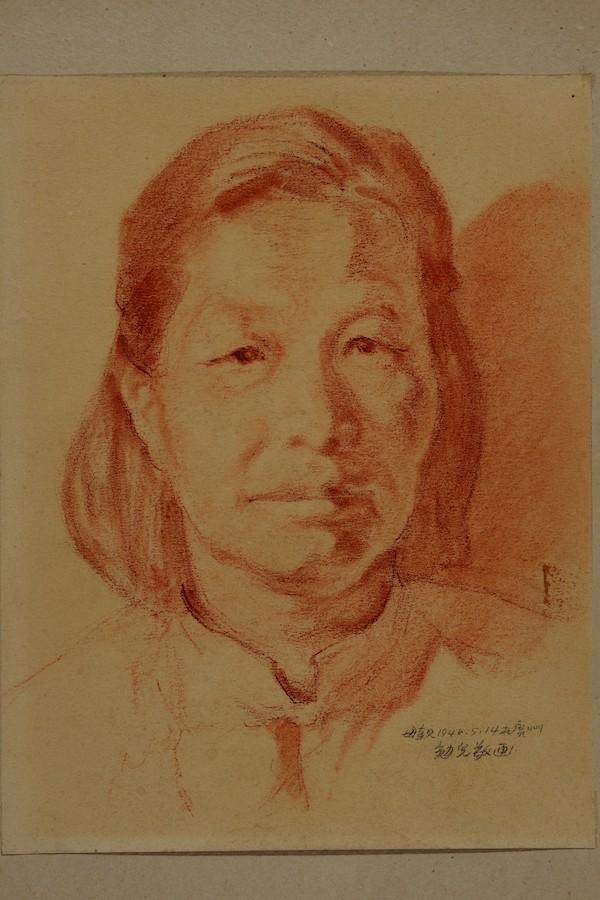 ★021 母亲 郑家一(广州) 纸本·炭精 27.3cm×21cm 1946年5月.JPG