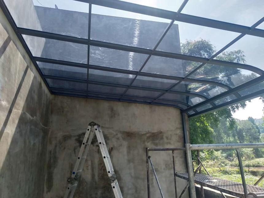 耐力板雨棚