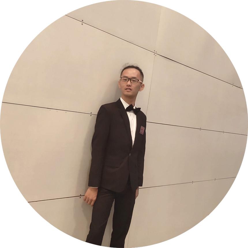 邹品奇舞蹈教师.jpg