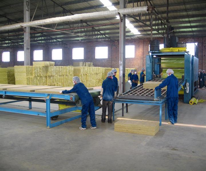 澳门新葡亰岩棉板生产价格