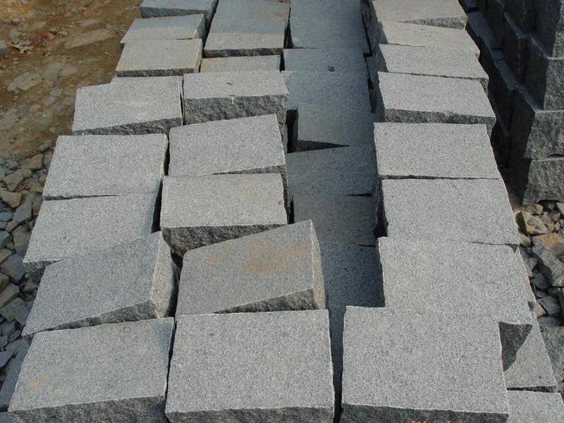 18厚生态地铺石