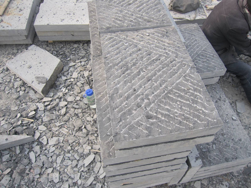 300x600青石板蘑菇石