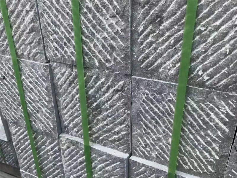 100厚自然面青石板