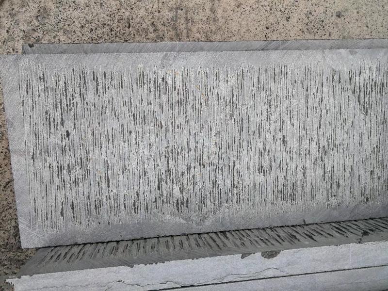 30厚青石板剁斧面