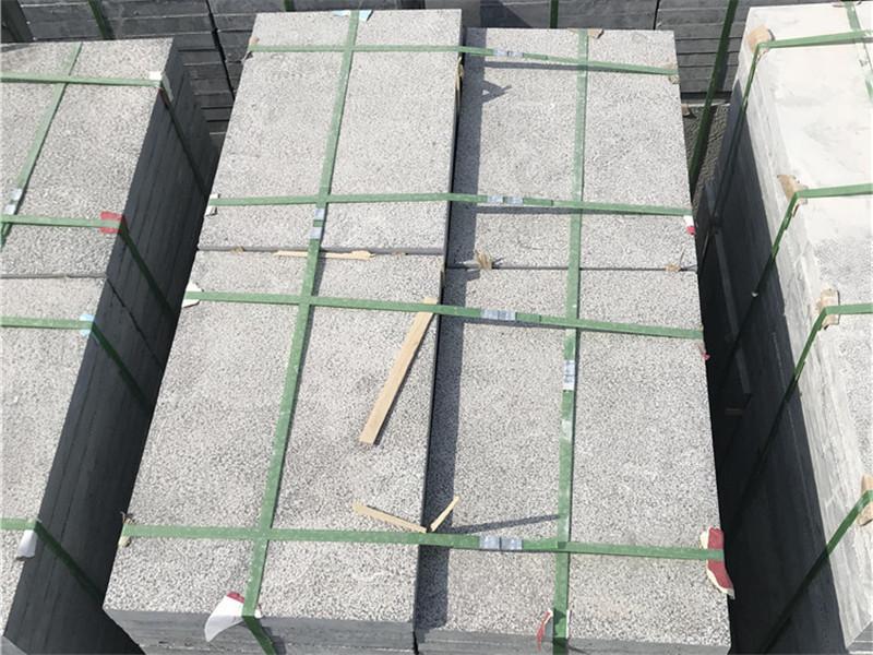 300x600青石板荔枝面