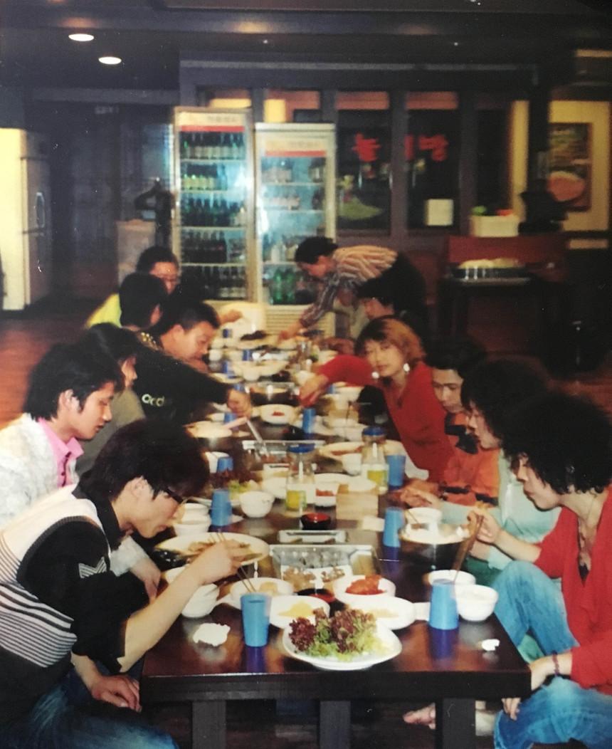 在韩国学习期间,一起聚餐.jpg