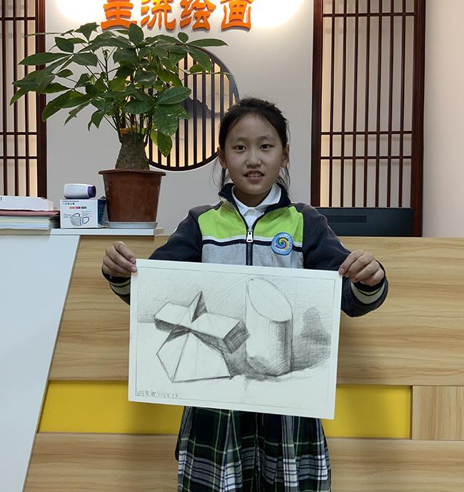 专业素描基础组学员画几何体作品
