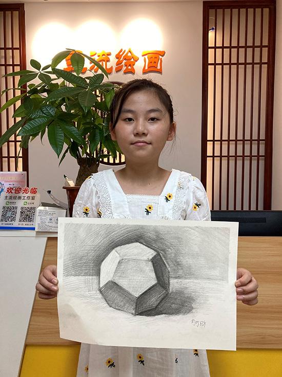素描初级班几何体素描作品