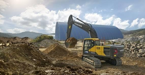 volvo-show-crawler-excavator-ec220-china-2324x1200.jpg