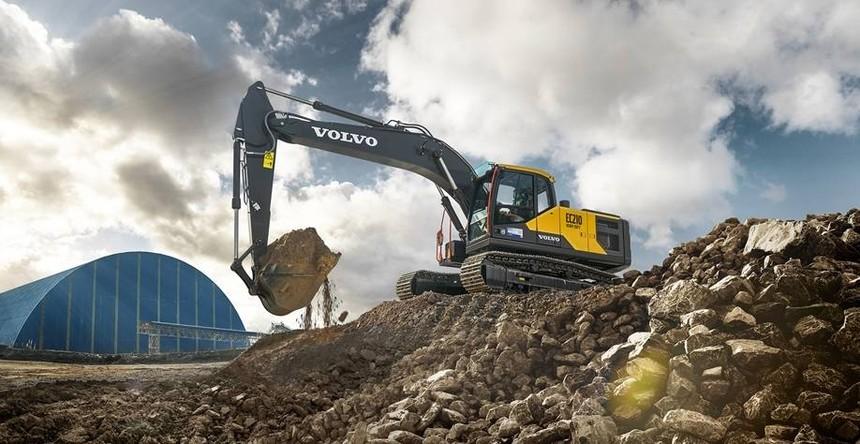 volvo-show-crawler-excavator-ec210hd-china-2324x1200.jpg
