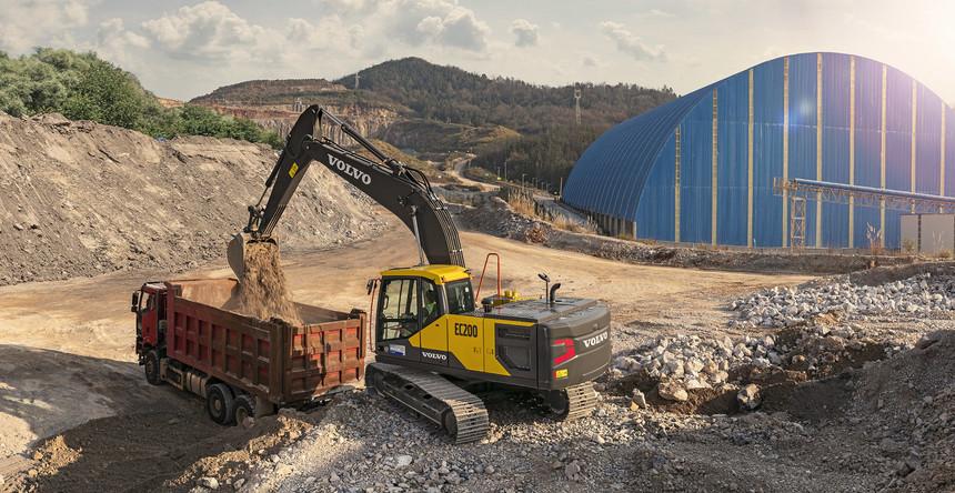 volvo-benefit-crawler-excavator-ec210-china-built-for-productivity-2324x1200.jpg