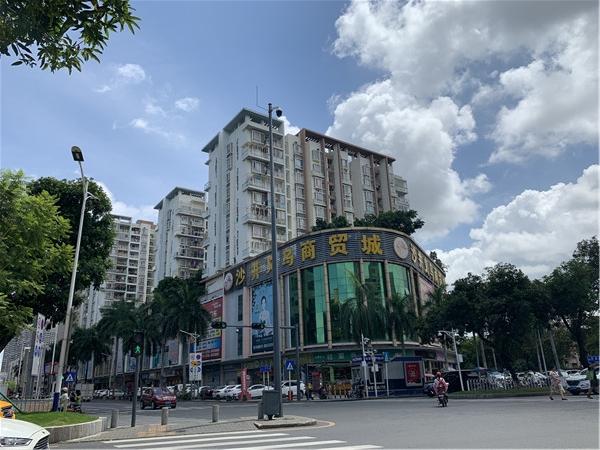 沙井中心批发市场旁的沙井义乌商贸城.jpg