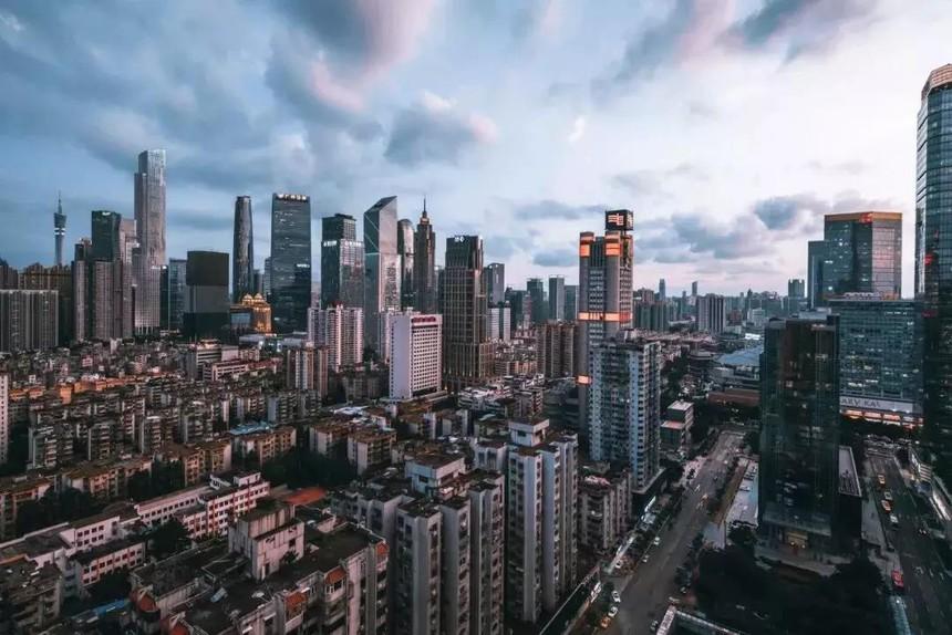 高楼林立的深圳.jpg