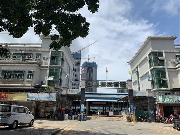中泰国际附近的中心批发市场.jpg