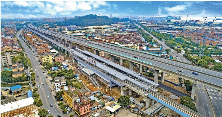 """高速公路与轨道交通在宝安""""并行"""".jpg"""