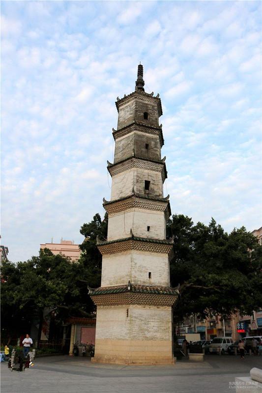 凤凰山景楼盘附近的古建筑.jpg