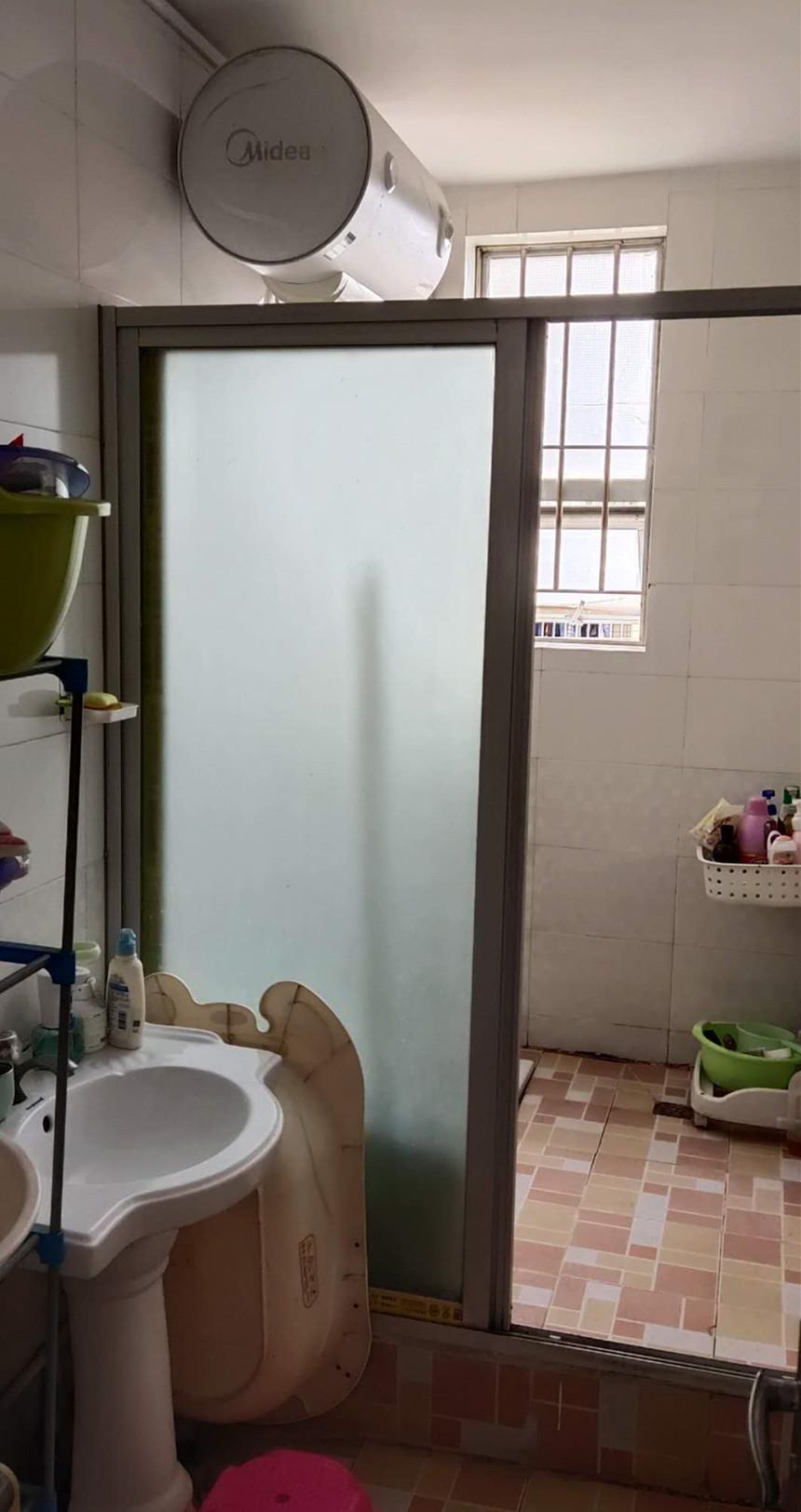 星光华庭二手房二房卫生间实拍