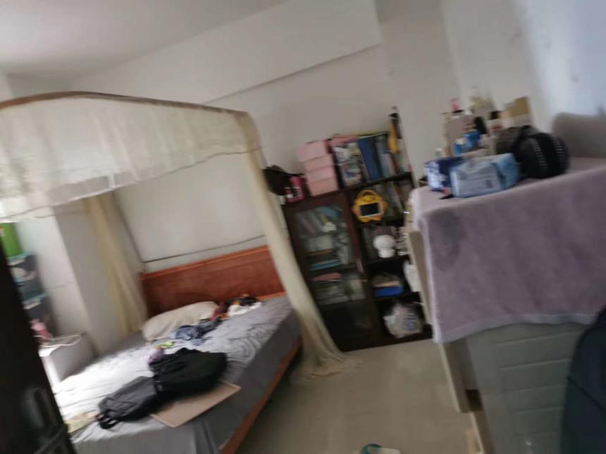 东宝小区二手房三房卧室实拍