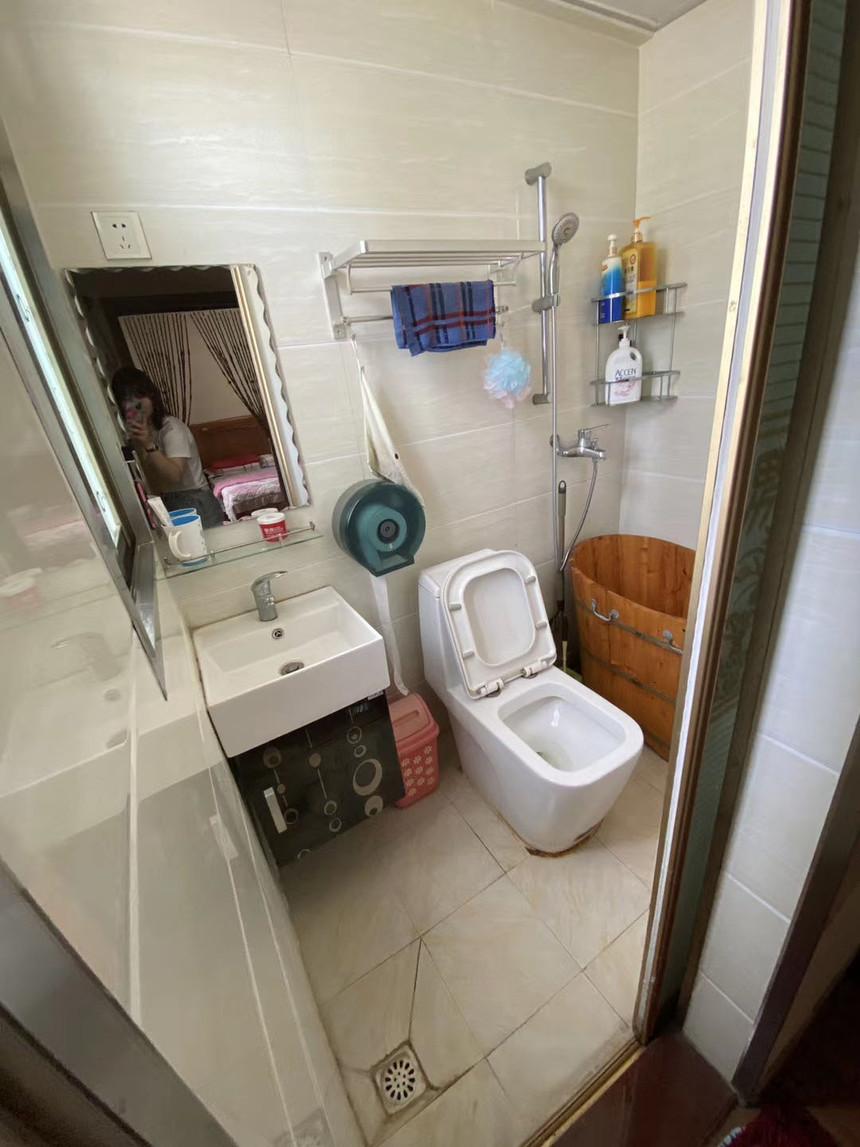 福明楼二手房二房卫生间实拍