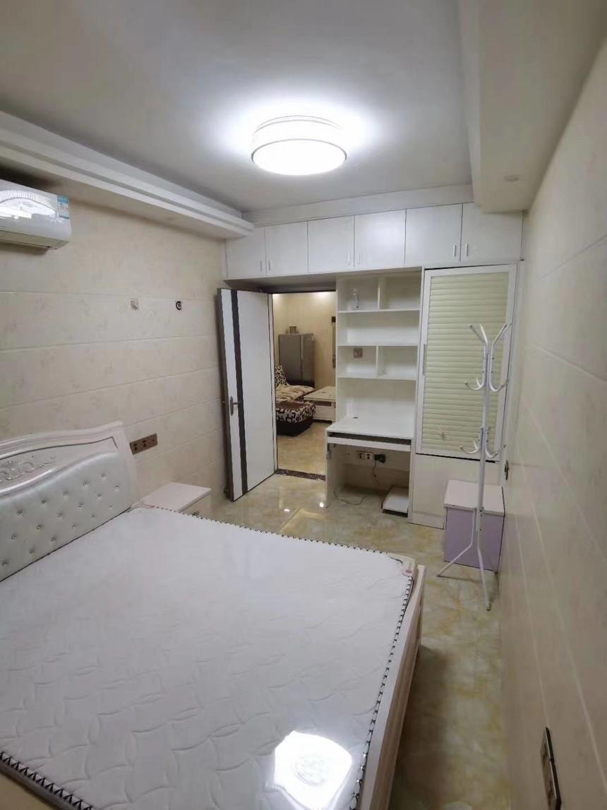 中心名座二手房一房卧室实拍