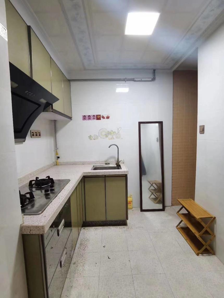 中心名座二手房一房厨房实拍