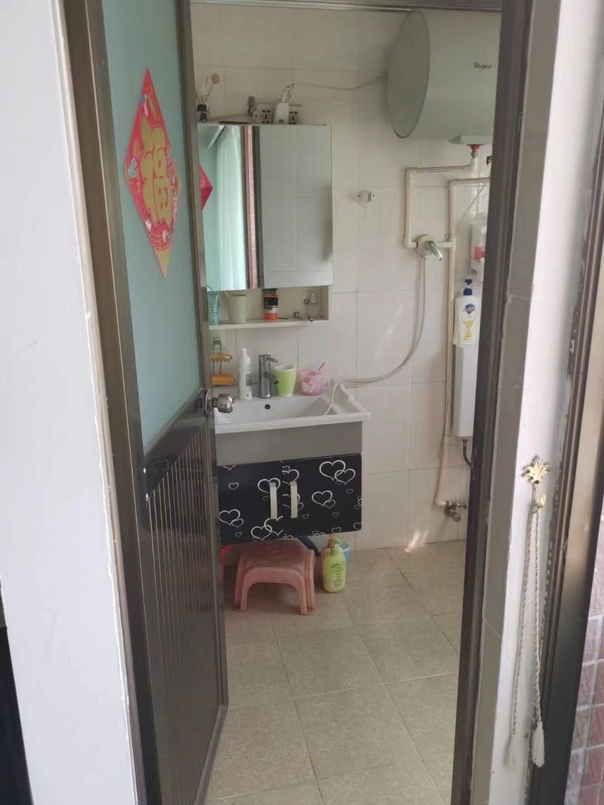 农民房私宅二手房三房卫生间实拍