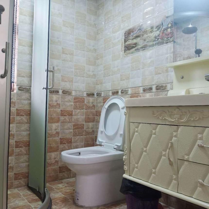 后亭雅苑二手房一房卫生间实拍