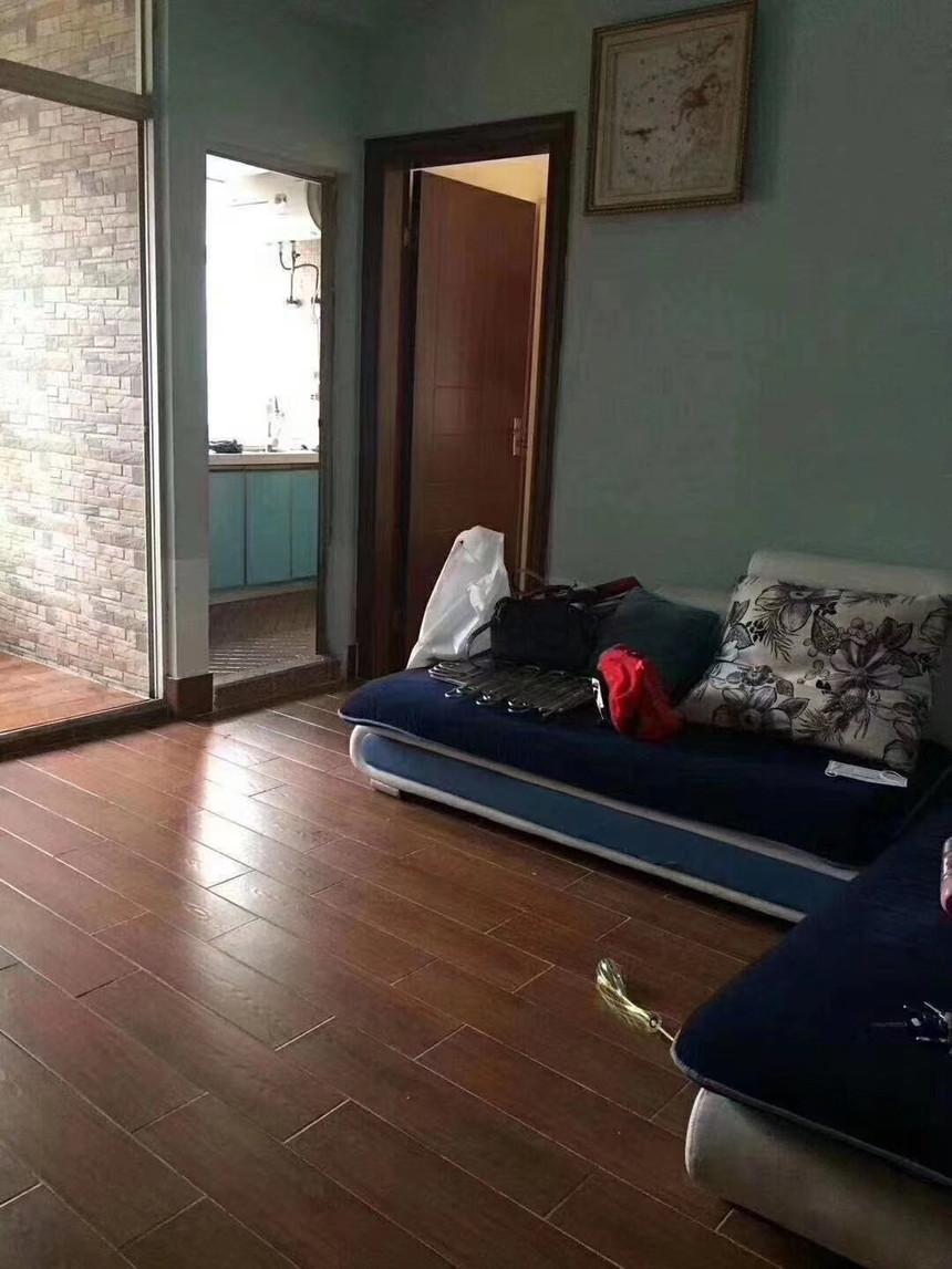 鸿桥公寓二手房一房客厅实拍