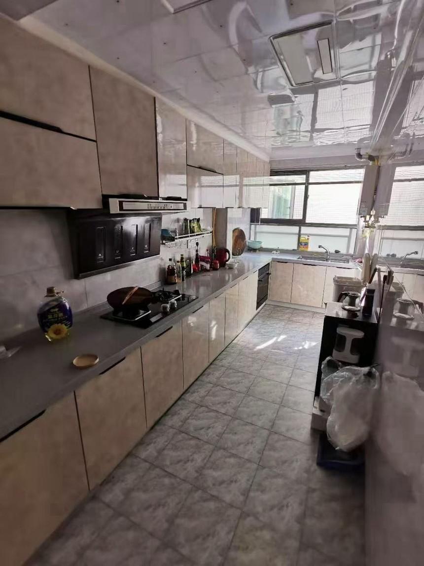 红星国际二手房三房厨房实拍
