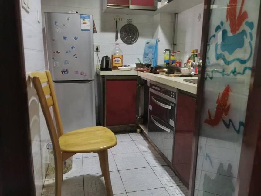 凤城花园二手房二房厨房实拍