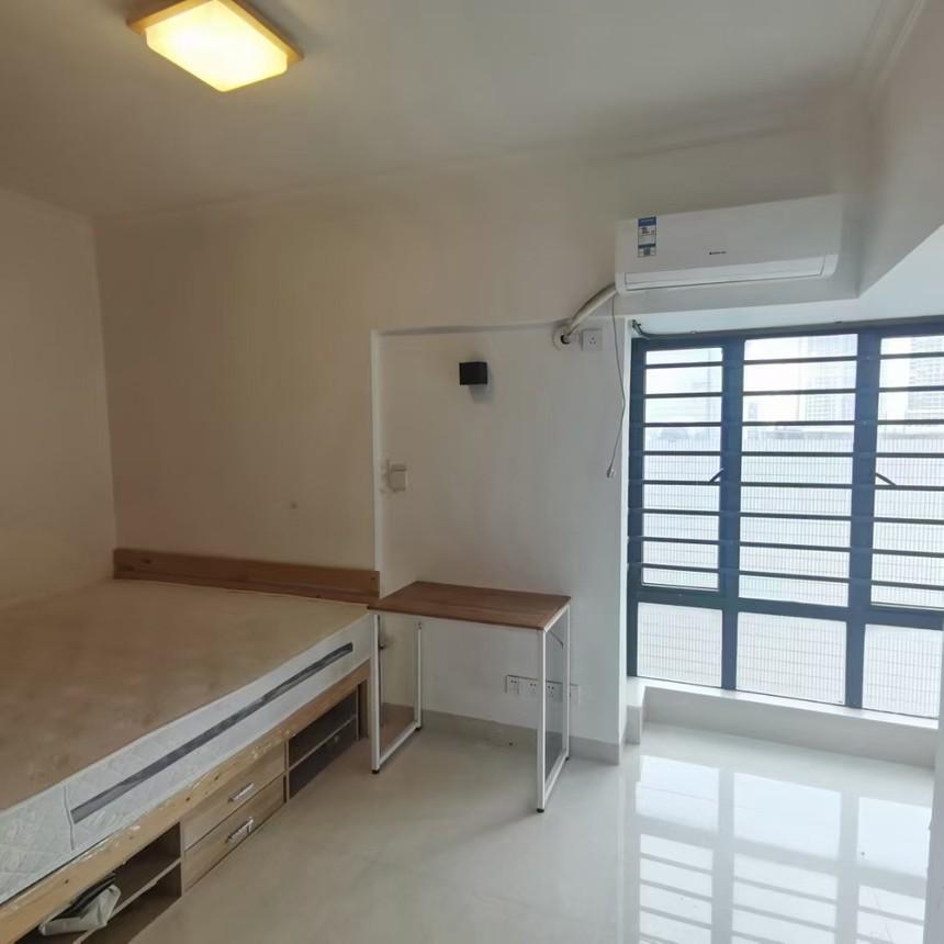 中泰国际二手房三房卧室实拍