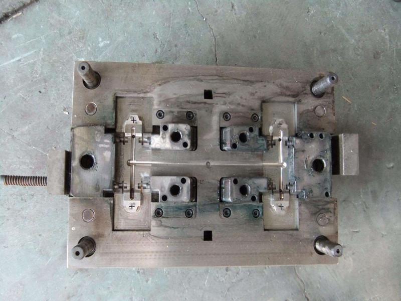 電器注塑模具