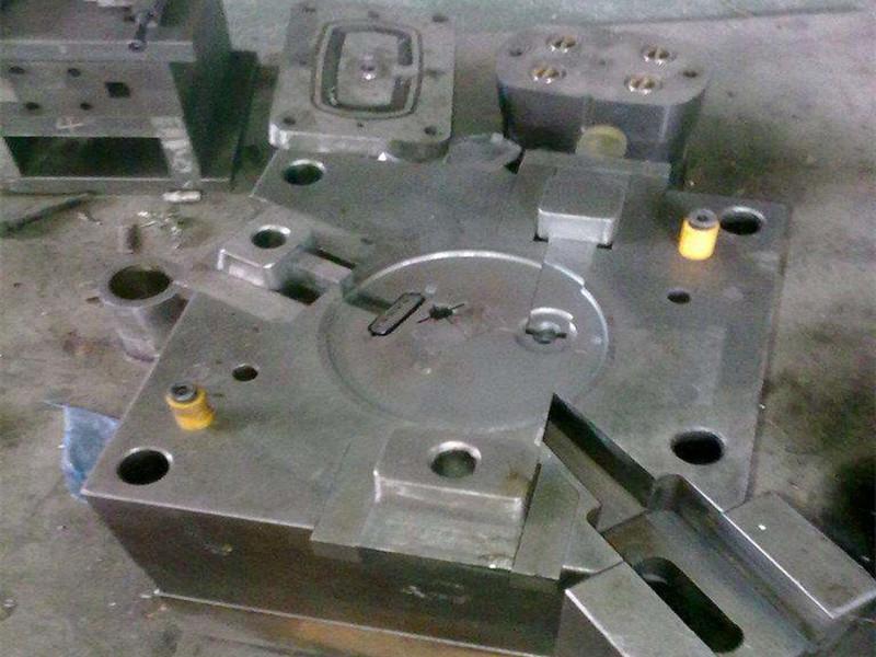 單分型面注塑模具