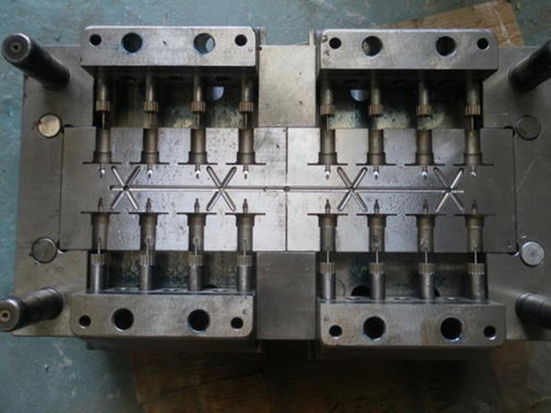 管件注塑模具
