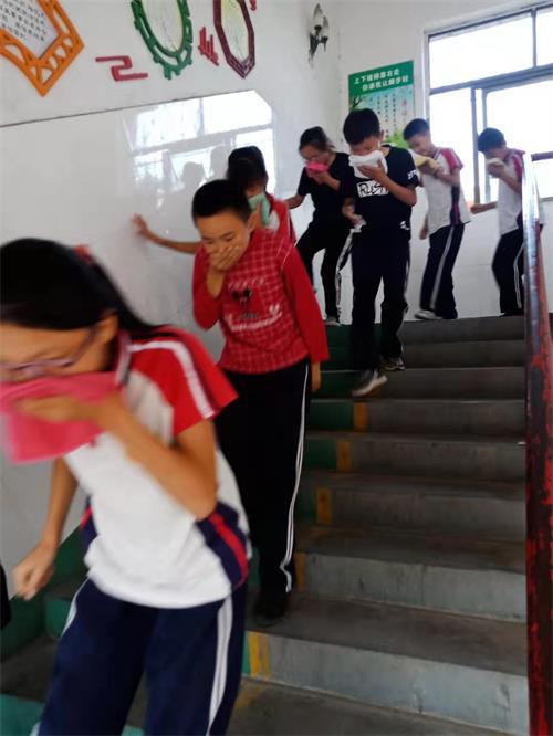 楼梯疏散照片.jpg