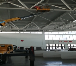 篮球管理中心场馆租用高空车